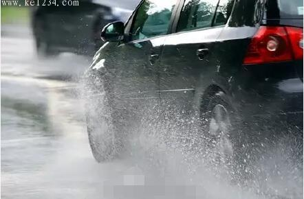 """桂林""""三月三""""期间雨水唱主旋律,行车需谨慎"""